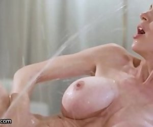 Squirt tube milf Squirting @